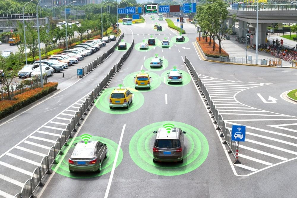 autonomous cars - communication wifi IoT smart transport-compress for web-727600-edited