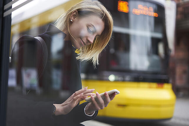 connected-bus-SAGE-Edge-woman