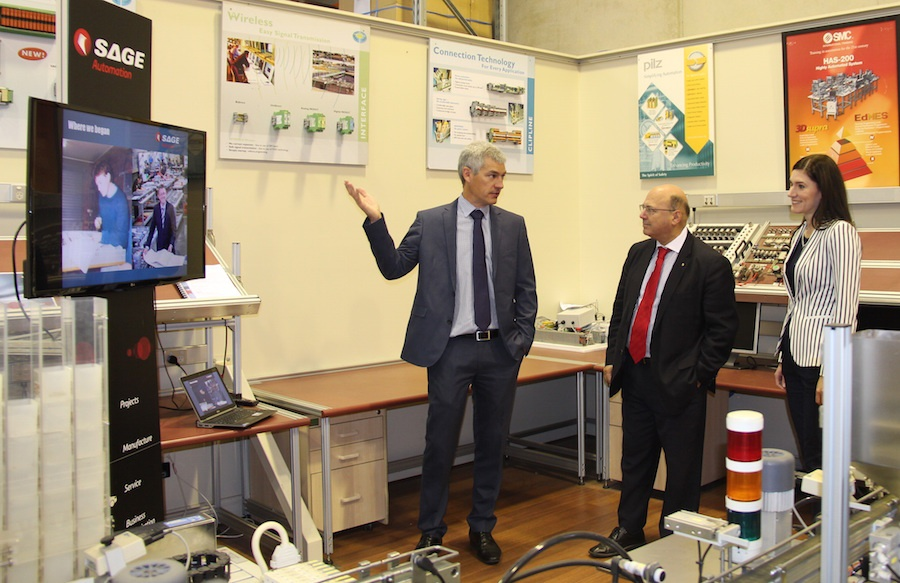 Advanced Manufacturing Fund brings Minister to SAGE Automation
