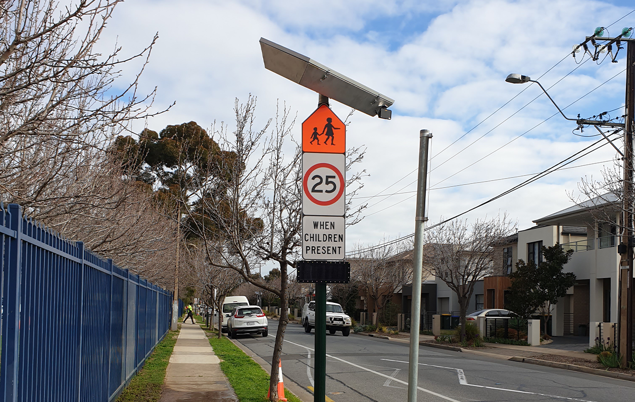Smart school zone teaching drivers to be more alert around crossings
