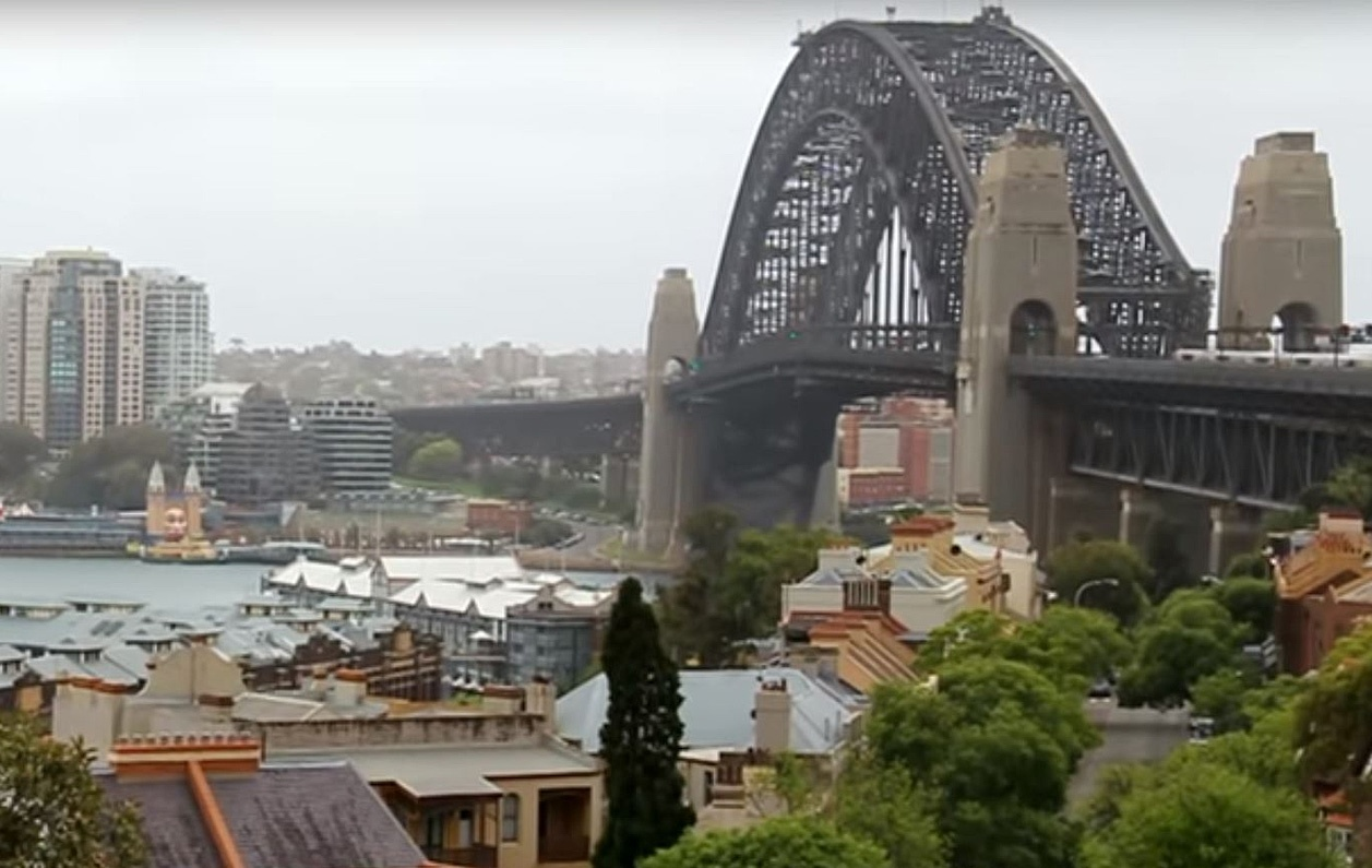 Sydney Harbour Bridge smart signs allow faster incident response time
